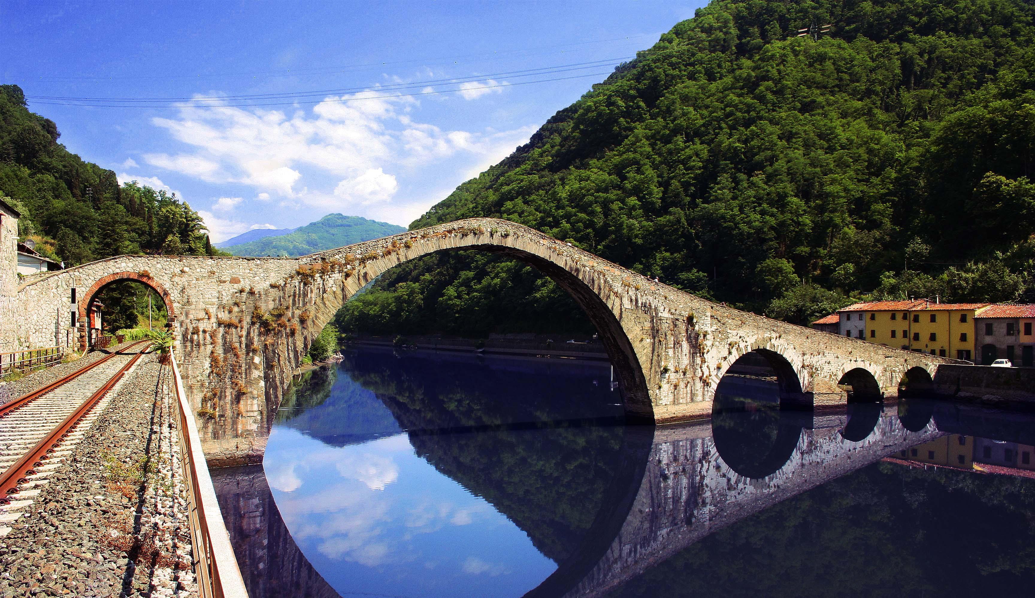 Vista del Ponte della Maddalena - Borgo a Mozzano