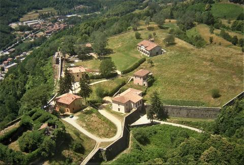 una veduta aerea della Fortezza