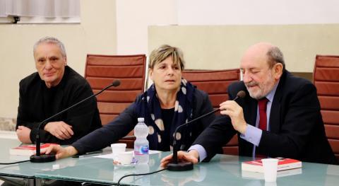 un momento della conferenza di Galimberti