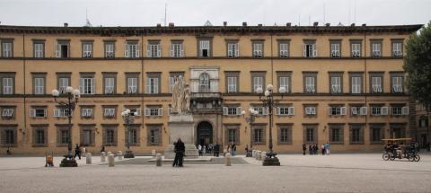 La facciata di Palazzo Ducale sede della Provincia