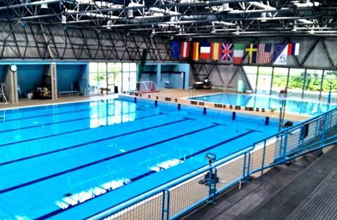 la piscina dell'istituto Fermi di Lucca