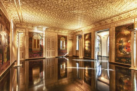 Una sala di Villa Argentina a Viareggio