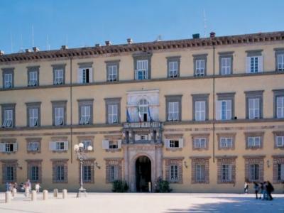 La facciata di Palazzo Ducale, sede della Provincia