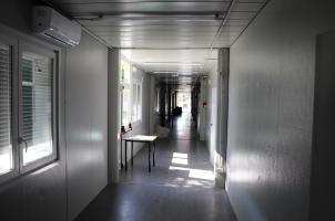 uno dei corridoi di collegamento dei moduli
