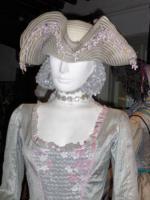 Manon Lescaut - mantenuta - particolare dell'abito